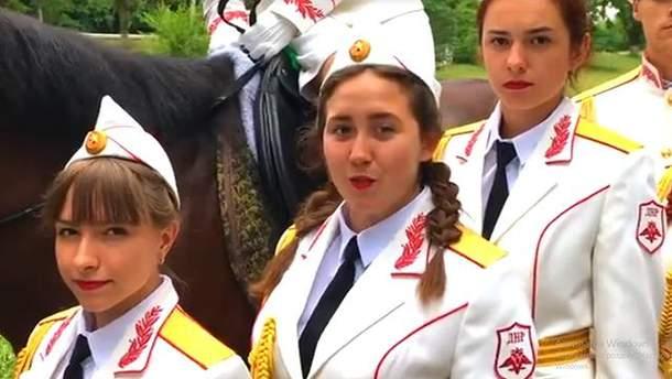 Діти привітали терориста Захарченка з днем народження
