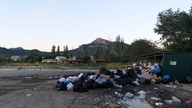 Курорты Крыма завалены мусором