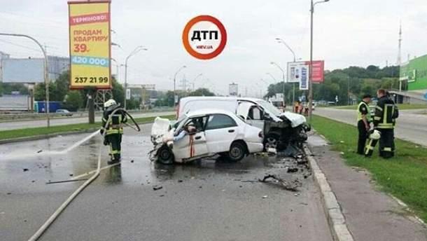 У Києві зіткнулися два авто