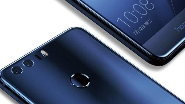 """До мережі потрапили о нові """"живі"""" фото Huawei Honor Note 10"""