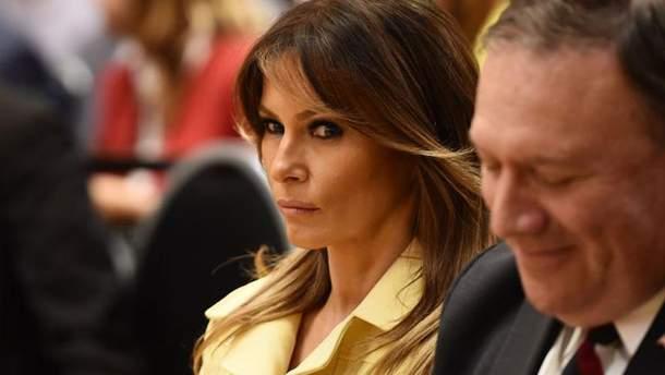 Нажахана та схвильована: Меланія Трамп здивувала мережу виразом обличчя після зустрічі з Путіним