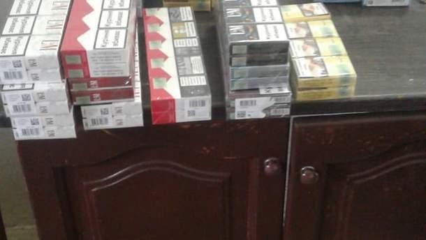 """Словак пытался вывезти из Украины сигареты в """"музыкальном""""тайнике"""