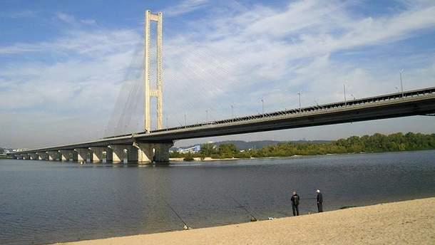 В Києві на Південному мосту частково обмежать рух транспорту