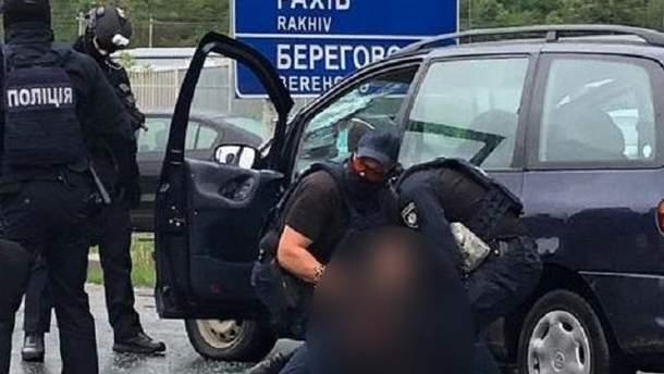 На Закарпатті правоохоронці зі стріляниною затримали групу наркоторговців
