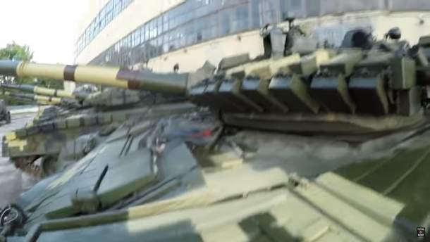 В Министерстве обороны сказали, что танки на складе в Харькове стоят там еще с 2004 года