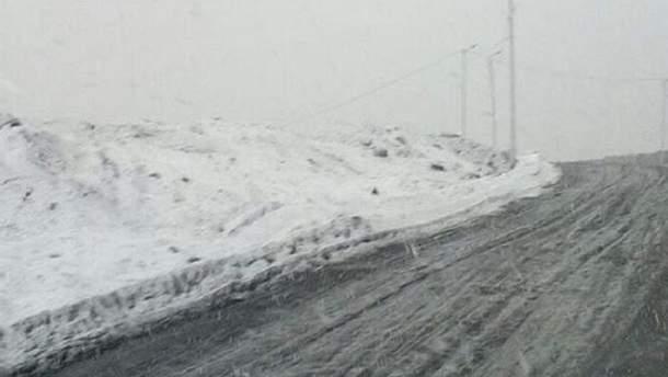 У Росії в розпал літа несподівано випав сніг: фото і відео
