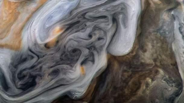 NASA показало неймовірне фото атмосфери Юпітера