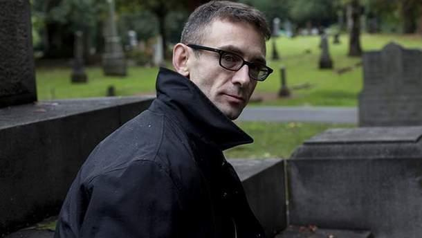 Обобрали до нитки: известный писатель Чак Паланик стал жертвой мошенников