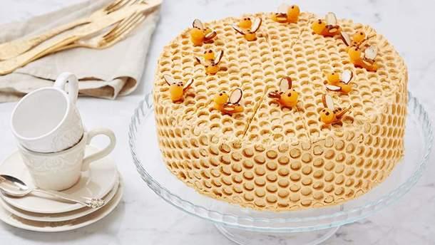 """Торт """"Медовик"""": класичний рецепт приготування торту Медовик"""
