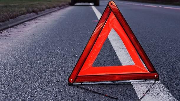 На Прикарпатті автівка збила чоловіка на пішохідному переході