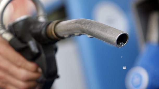 У яких країнах світу найдешевший та найдорожчий бензин: оприлюднено рейтинг