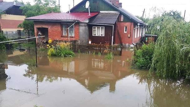 Непогода в Украине: подтоплены дома