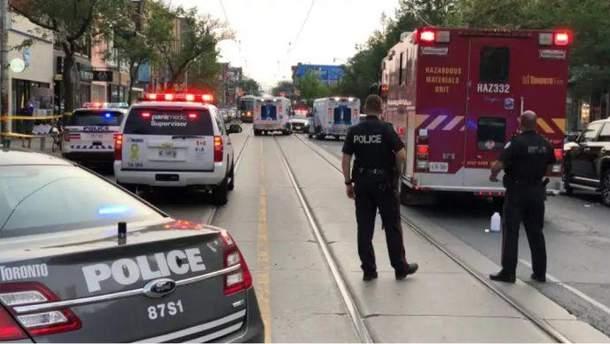 Ввечері 30 червня у середмісті Торонто невідомий відкрив стрілянину по випадкових перехожих