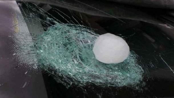У Краснодарському краї випав велетенський град, розміром з куряче яйце