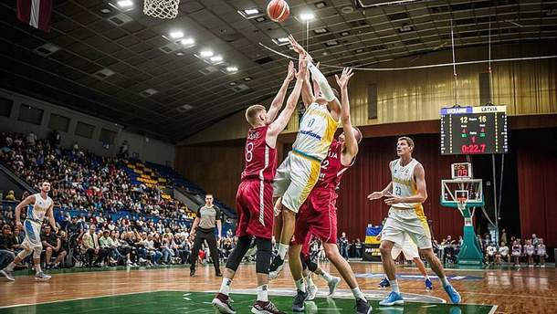 Збірна України з баскетболу поступилась вдома збірній Латвії
