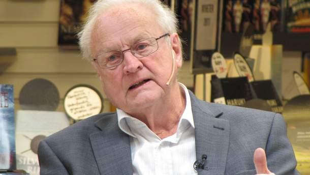 У шведському місті Гетеборг на 96 році життя помер лауреат Нобелівської премії з медицини, нейрофармаколог Арвід Карлссон