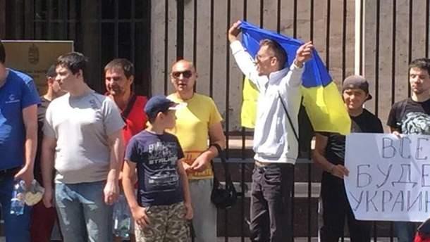 Подконтрольные российской стороне украинские граждане должны были нанять для провокации людей, которые должны были выдавать себя за украинских националистов