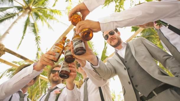 Алкогольные напитки повышают артериальное давление у мужчин