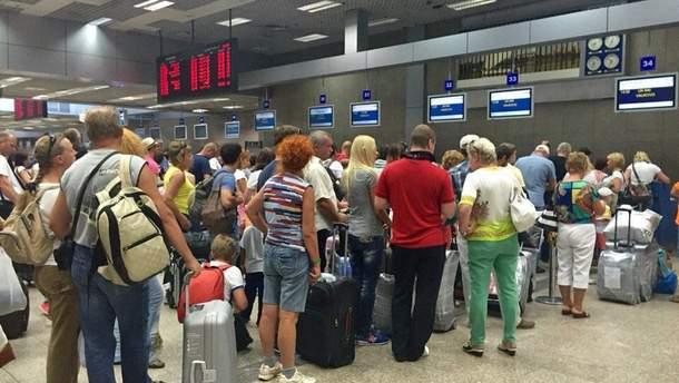 Украинские туристы не могут вылететь из Испании
