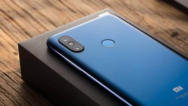 Xiaomi випустить бюджетну версію смартфона Mi8