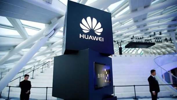 Смартфон Huawei nova 3 отримає чотири камери