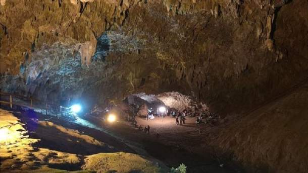 Найденные в тайской пещере дети могут оставаться там в течение нескольких месяцев