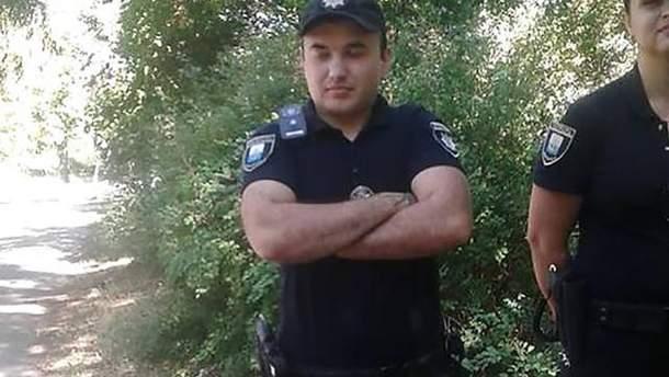 В Мариуполе полицейский дерзко заявил, что не знает, кто такой Олег Сенцов