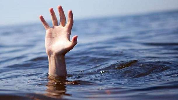 В Бердянську море викинуло на берег тіло дитини