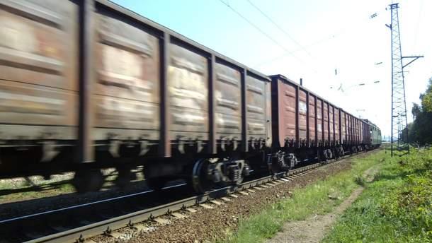 Во Львове на крыше поезда погиб мужчина