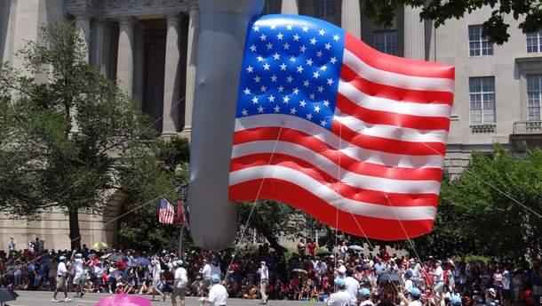 Русский флаг иСу-25 стали символом независимости США