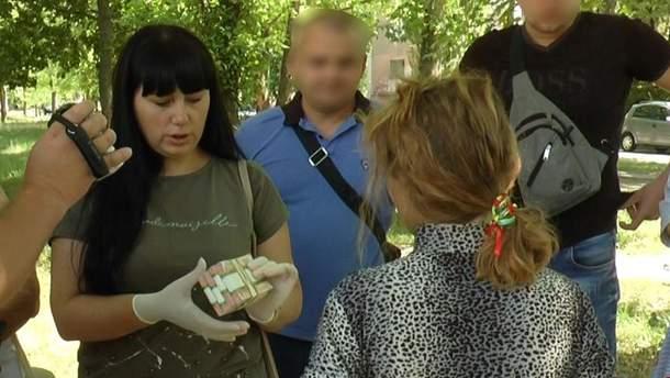 На Херсонщині жінка хотіла продати сина та за отримані кошти купити будинок