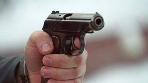 В одном из районов Киева в авто нашли тело убитого мужчины
