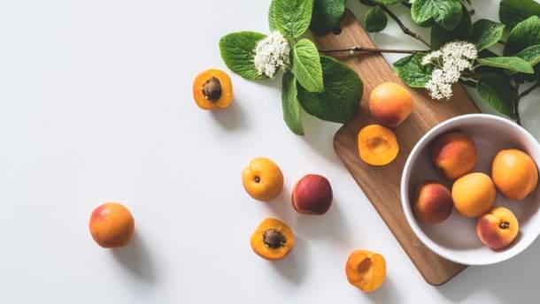 Персики можна їсти у липні