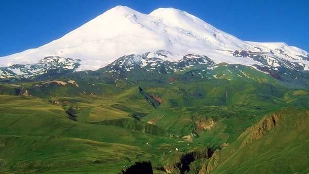 У Росії потужні паводки спричинили підтоплення федеральної автодороги  Прохолодний – Азау, яка веде до підніжжя найвищої гори Кавказу
