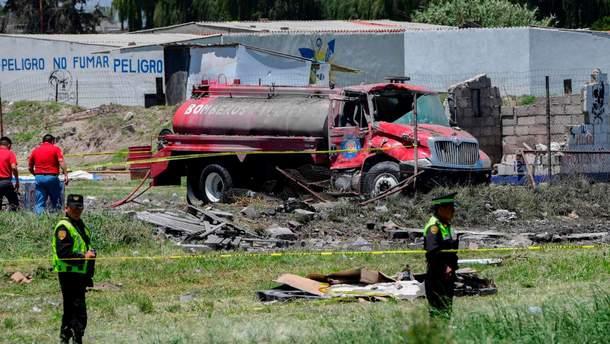 Среди погибших – четверо пожарных и два полицейских