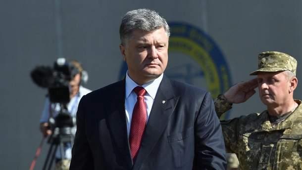 Порошенко раздал поручения в связи со взрывом миномета на Ровненском полигоне