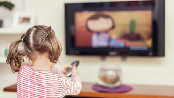 Час перед телевізором негативно впливає на дітей