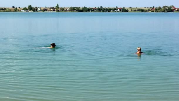 Чи можна плавати одразу після їжі
