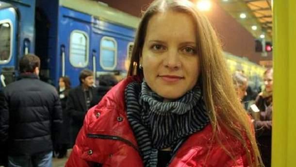 На киевском вокзале мужчина из травматического оружия ранил журналистку СТБ
