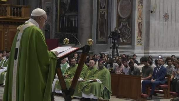 Папа Римский провел мессу, посвященную мигрантам
