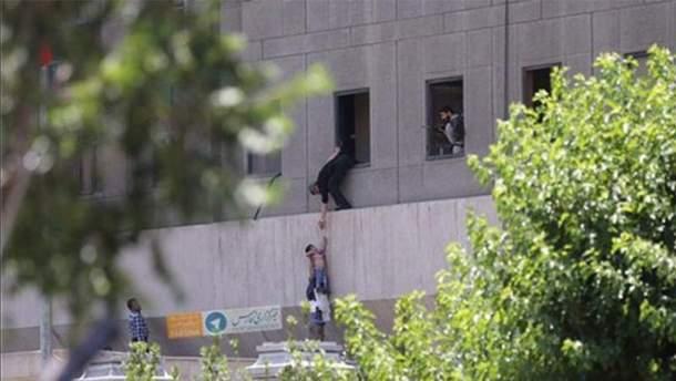 В Ірані стратили 8 осіб засуджених за напад на парламент та мавзолей Хомейні