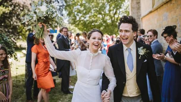 Фелісіті Джонс і Чарльз Гард одружились 1 липня