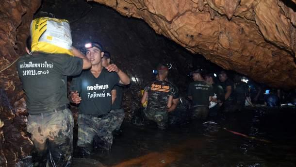 Затопленная пещера в Таиланде
