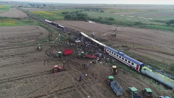 У Туреччині сталася страшна аварія потягу