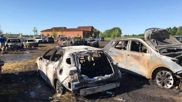 Пожежа в Канаді знищила десятки автомобілів