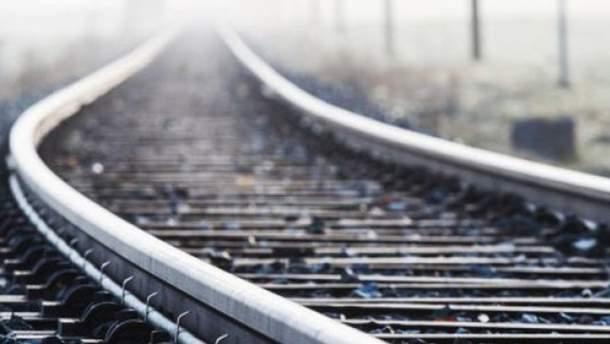 На Житомирщині потяг важко травмував 64-річного чоловіка