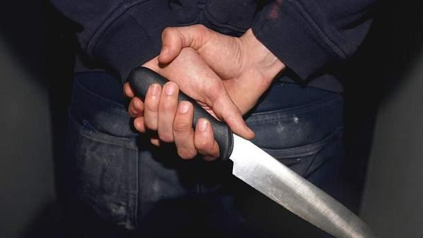 На Полтавщине тяжело ранили полицейского