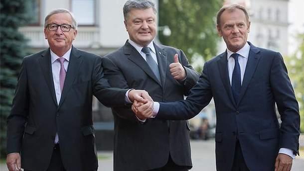 Порошенко разом  з Президентом Європейської Ради Дональдом Туском і Президентом Європейської комісії Жан-Клодом Юнкером у Брюсселі