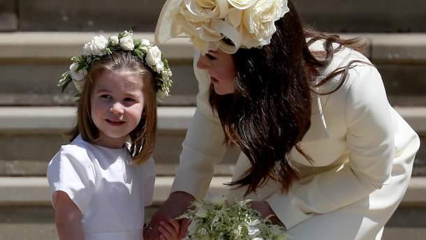 Принцеа Шарлотта на весіллі в принца Гаррі і Меган Маркл в ролі подруги нареченої