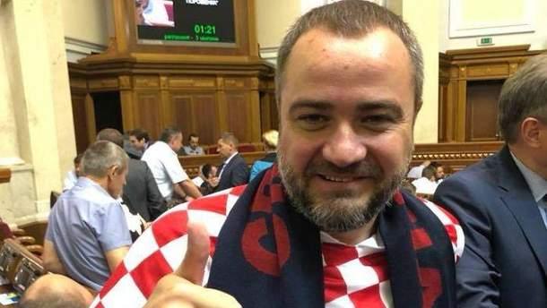 Андрей Павелко пришел в ВР в футболке сборной Хорватии